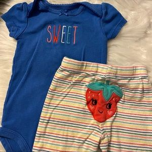 Carter's Baby Girl 2 piece outfit size 6 month